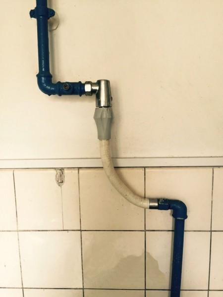 Tilslutningsslange til gaskomfur: gasslangekobling - snapkobling for hurtig afmontering og med gasprøvestuds.